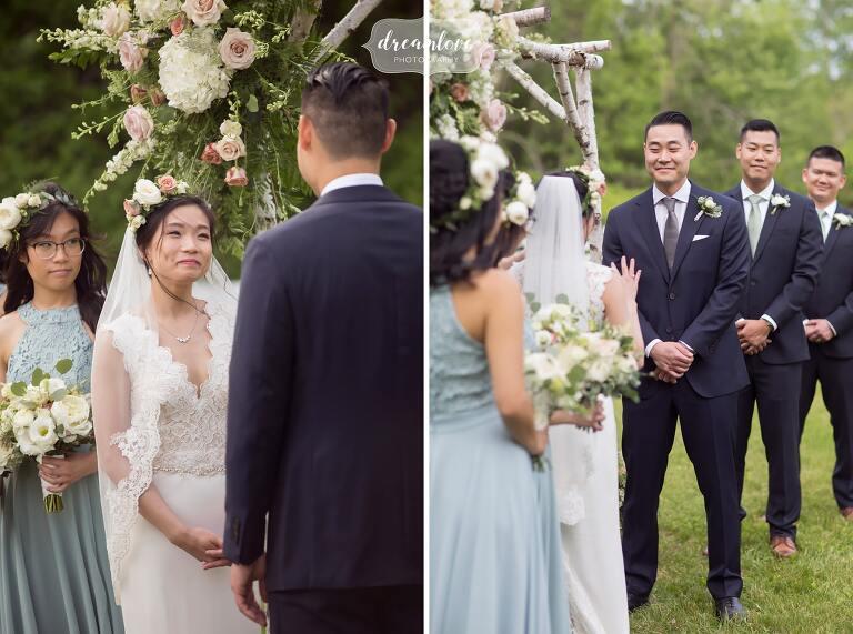 Candid Hudson Valley wedding photographer captures ceremony.