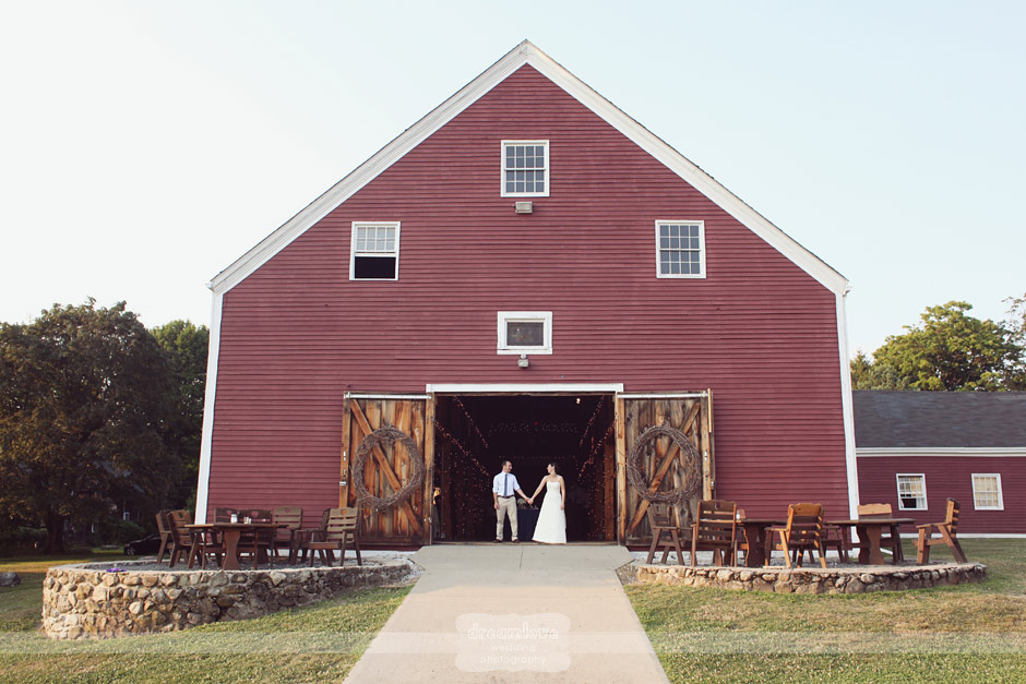 Brooksby Smith Barn Rustic Wedding Peabody Amp Amherst Ma