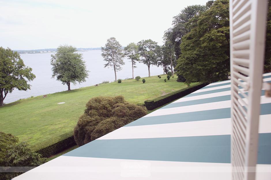 vintage portsmouth ri wedding 31 Vintage Seaside Wedding Photography   Glen Manor House   Ashley & John