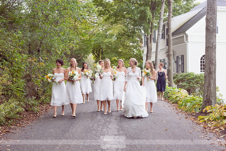 outdoor-backyard-wedding-photography-023