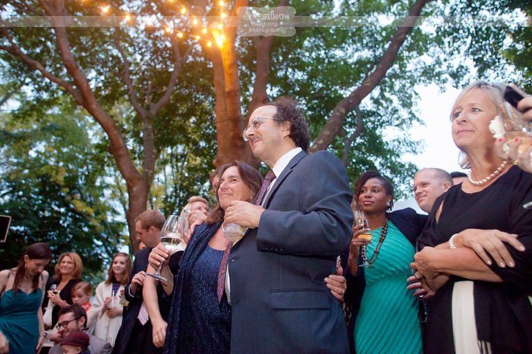 outdoor-backyard-wedding-photography-094