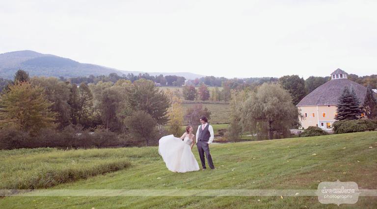round-barn-vt-wedding-photos-01