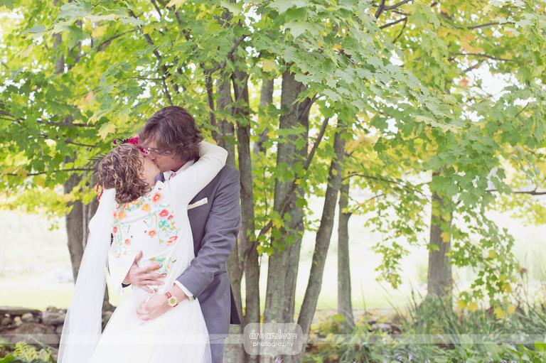round-barn-vt-wedding-photos-09