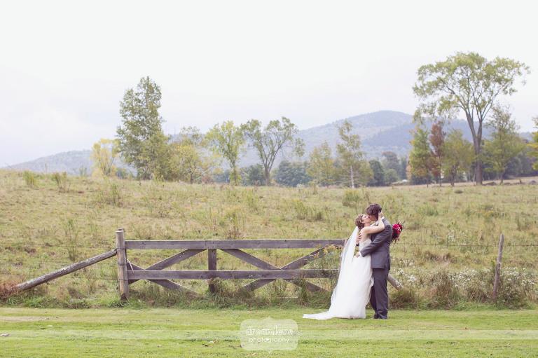 round-barn-vt-wedding-photos-12