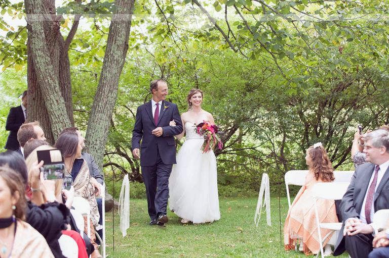 round-barn-vt-wedding-photos-30