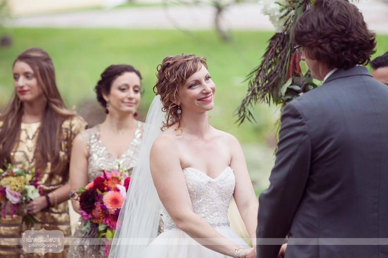 round-barn-vt-wedding-photos-35