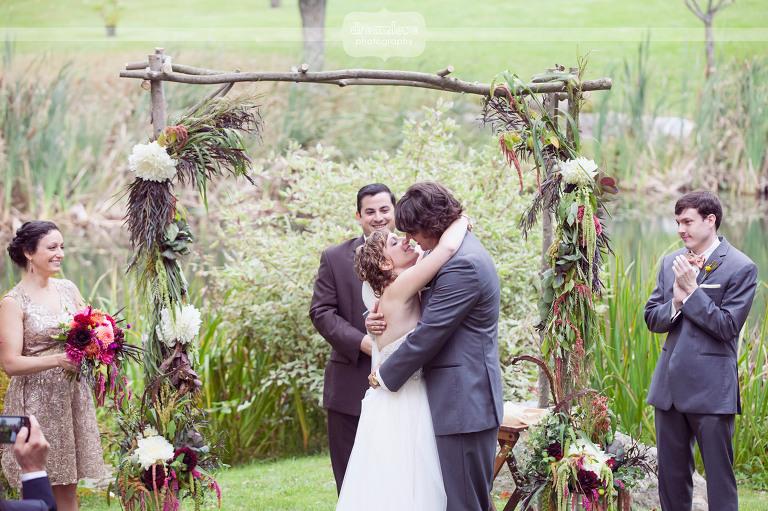 round-barn-vt-wedding-photos-37