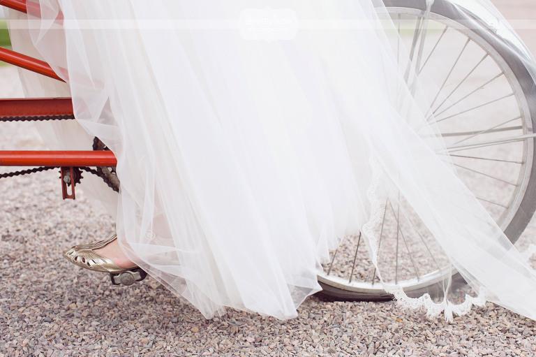 round-barn-vt-wedding-photos-40