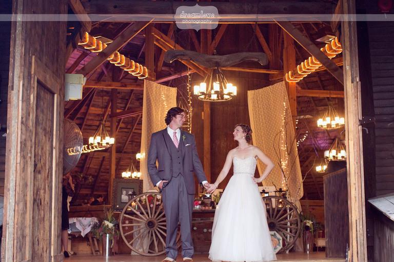 round-barn-vt-wedding-photos-58