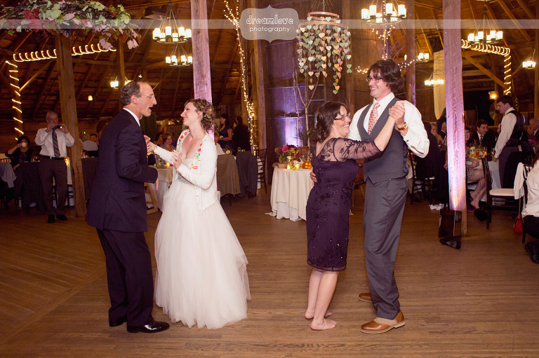 round-barn-vt-wedding-photos-63