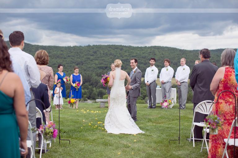 alysons-orchard-nh-wedding-26