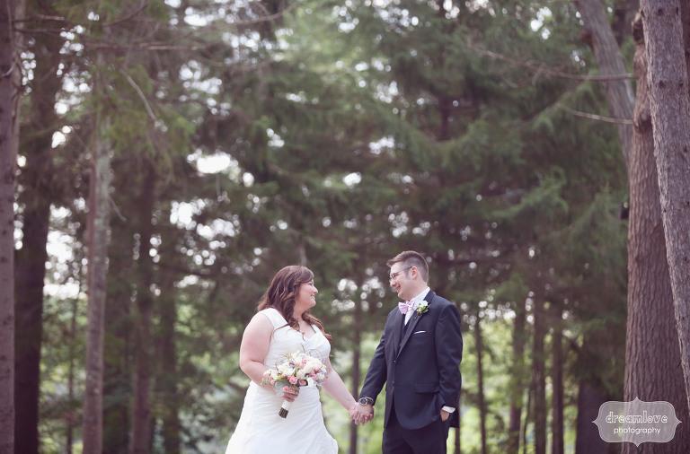 woodsy-camp-wedding-ma-08