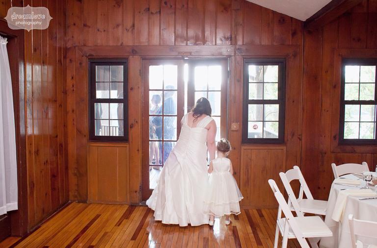 woodsy-camp-wedding-ma-18