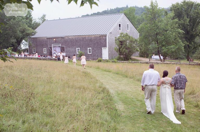 moody-mountain-farm-nh-wedding-24
