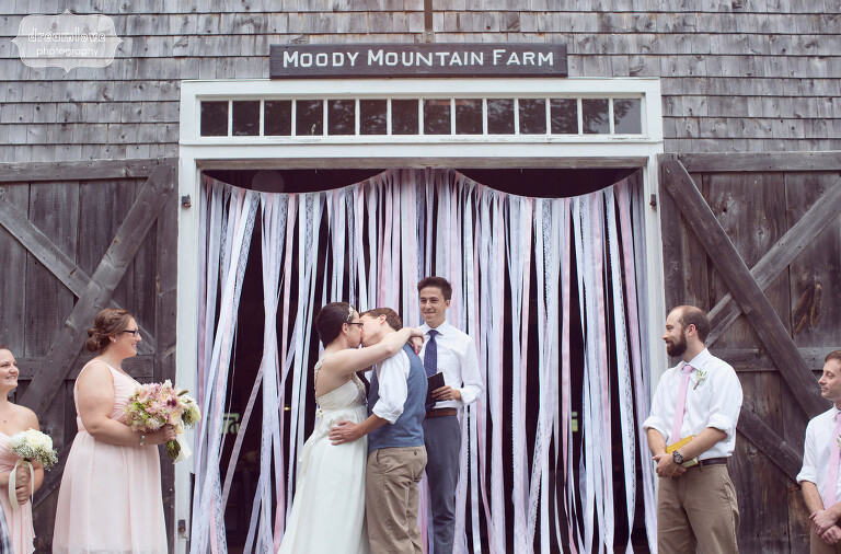 moody-mountain-farm-nh-wedding-28