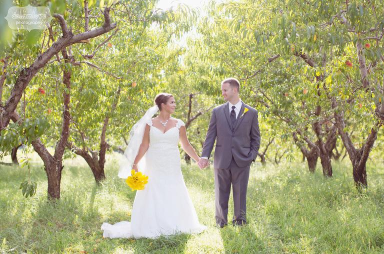 peach-orchard-wedding-nh