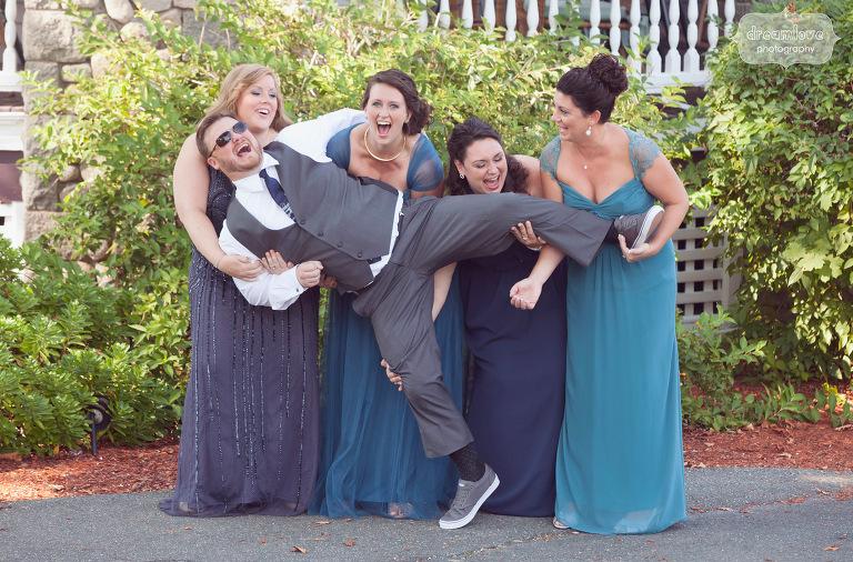 castle-manor-inn-ma-outdoor-wedding-24
