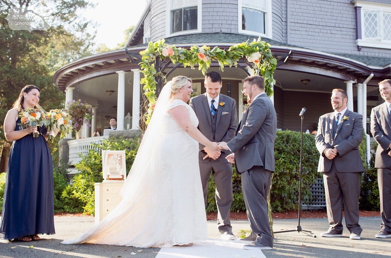castle-manor-inn-ma-outdoor-wedding-44