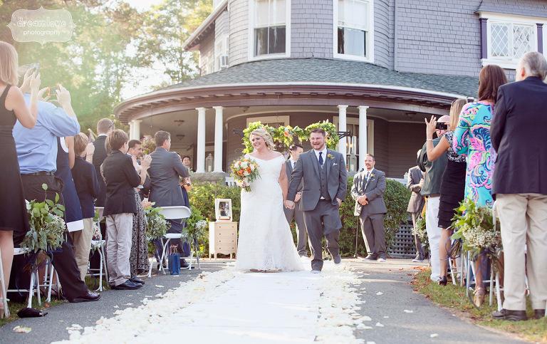 castle-manor-inn-ma-outdoor-wedding-51