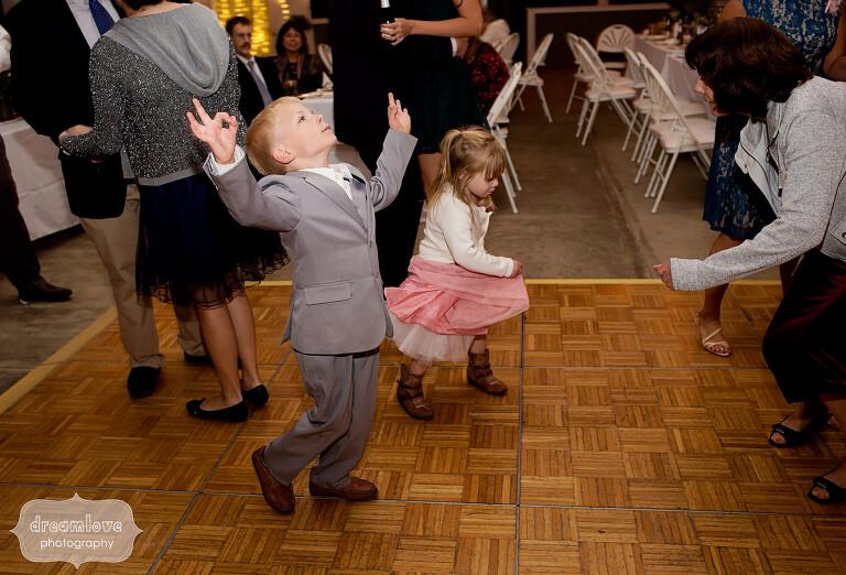 warfield-house-wedding-kids-dancing