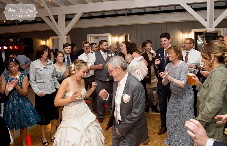 warfield-house-wedding-bride-dad-dancing