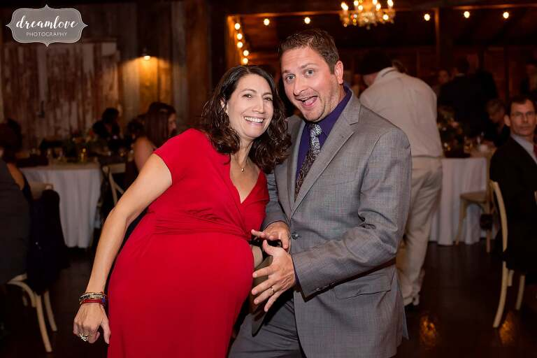 Funny photo of the wedding guest pregnant at Bishop Farm.