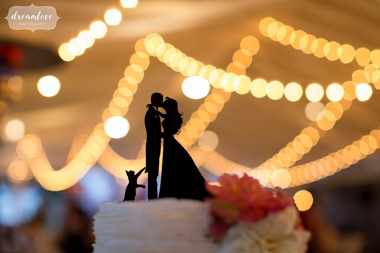 Silhouette cake topper with a cat at this western MA wedding.