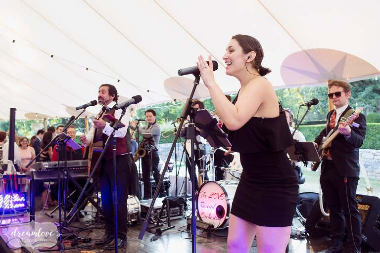 The Love Revival is the best nineties cover band for this One Barn Farm wedding.