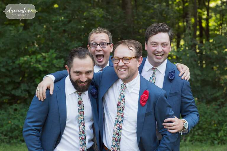 Candid and relaxed portraits of groomsmen in NH.