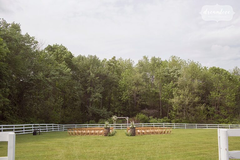 Barn at Liberty Farms outdoor ceremony site.