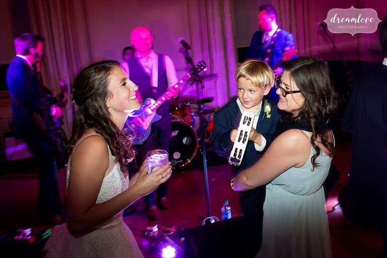 great-house-dancing-wedding-bearfight