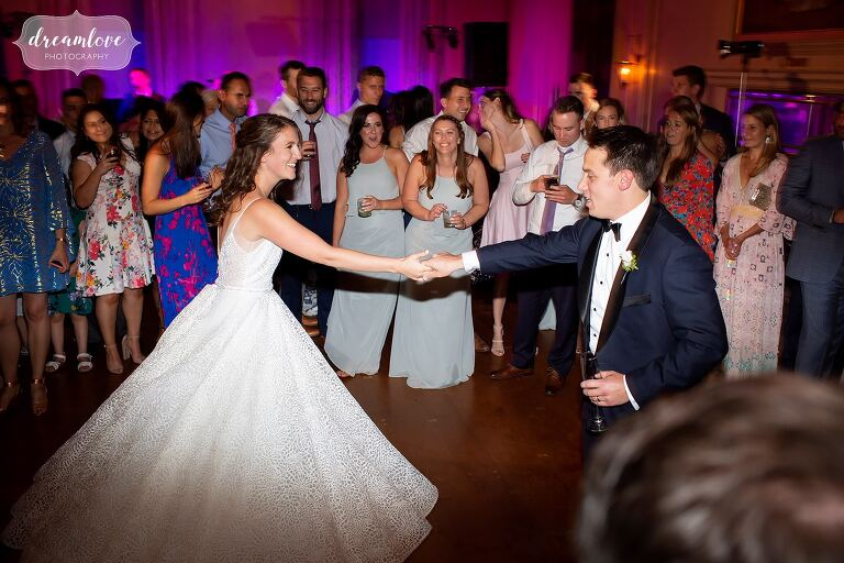 Bride and groom dance at Crane Estate with Bearfight band.