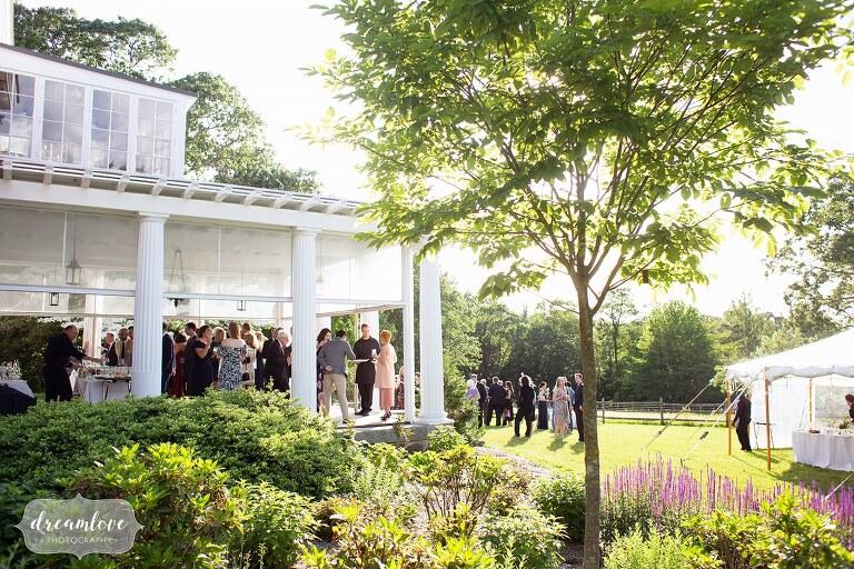 outdoor-cocktail-hour-bradley-estate-garden